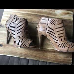 D - Stiletto Brown Heels - Size 7